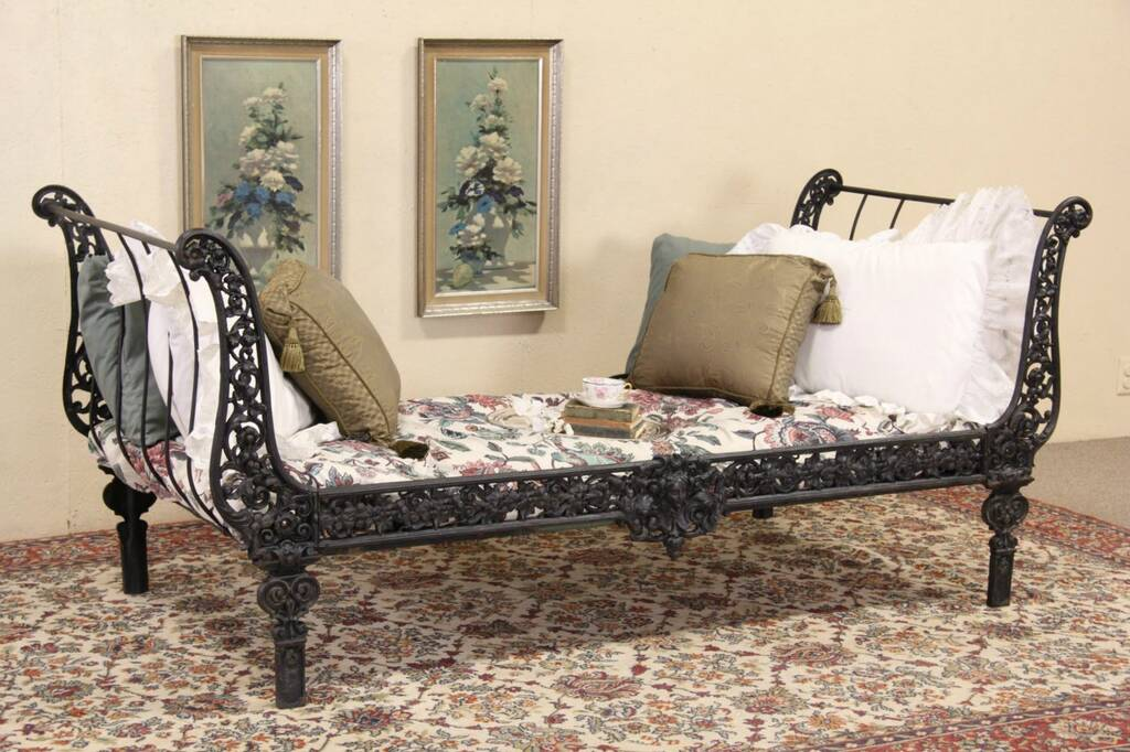 Sold Cast Iron 1870 Antique New Orleans Day Bed Harp