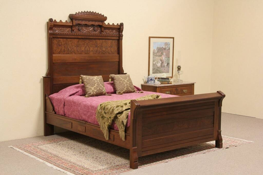 Eastlake Queen Bed