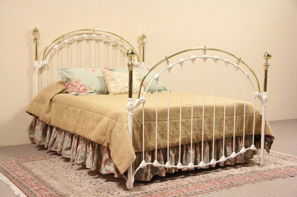 Sold brass iron victorian style queen size bed harp for Queen victoria style furniture
