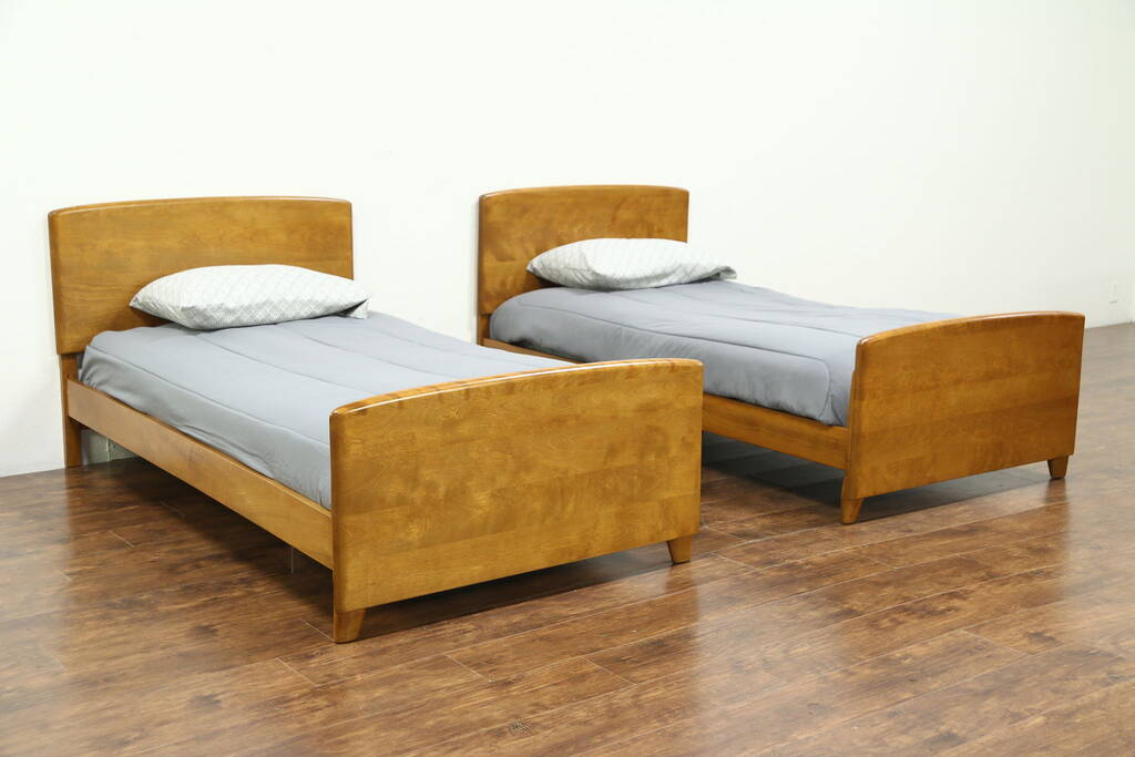 Midcentury Modern 1950 S Vintage Pair Of Twin Beds