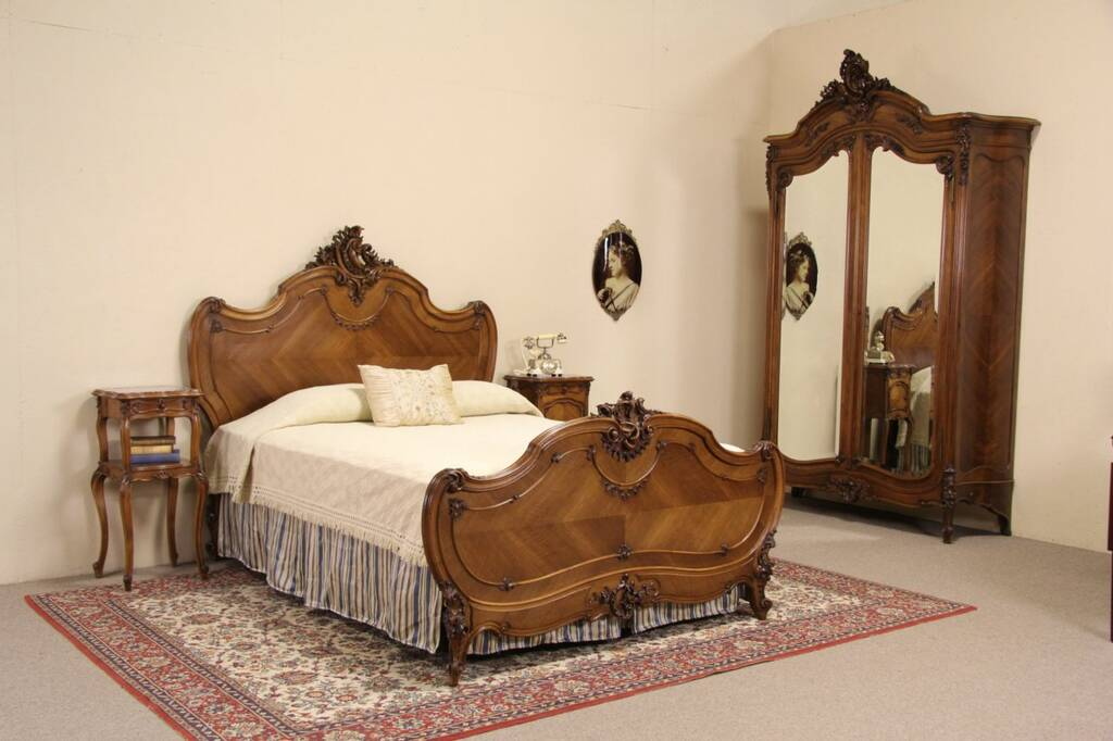 Sold French Queen Size 4 Pc Antique 1900 Carved Walnut Bedroom Set Harp Gallery Antique