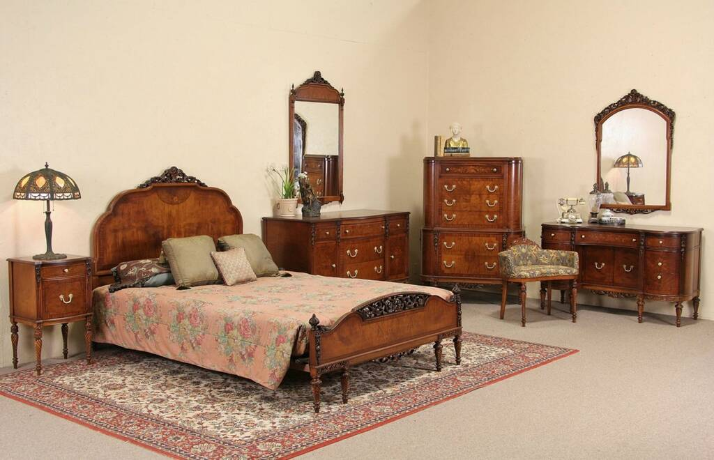 Top image of s bedroom furniture dorthy vernon journal