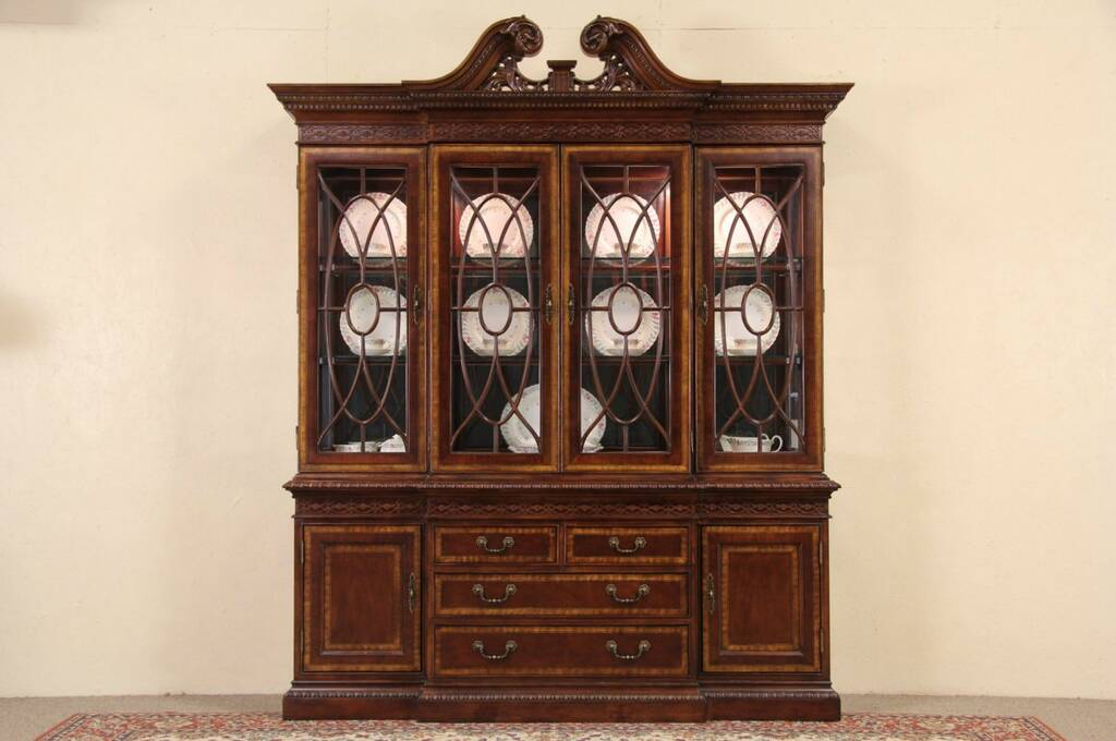 Chippendale Style Furniture Characteristics