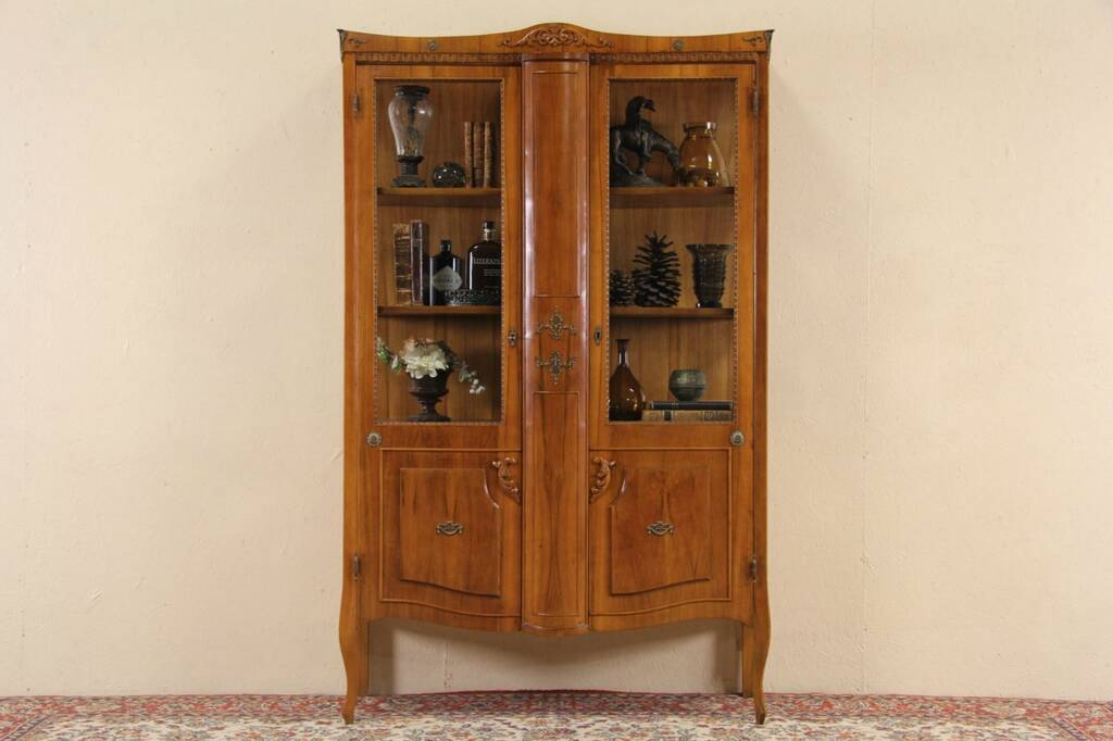 Sold Italian 1940 Vintage Curio Or China Display Cabinet