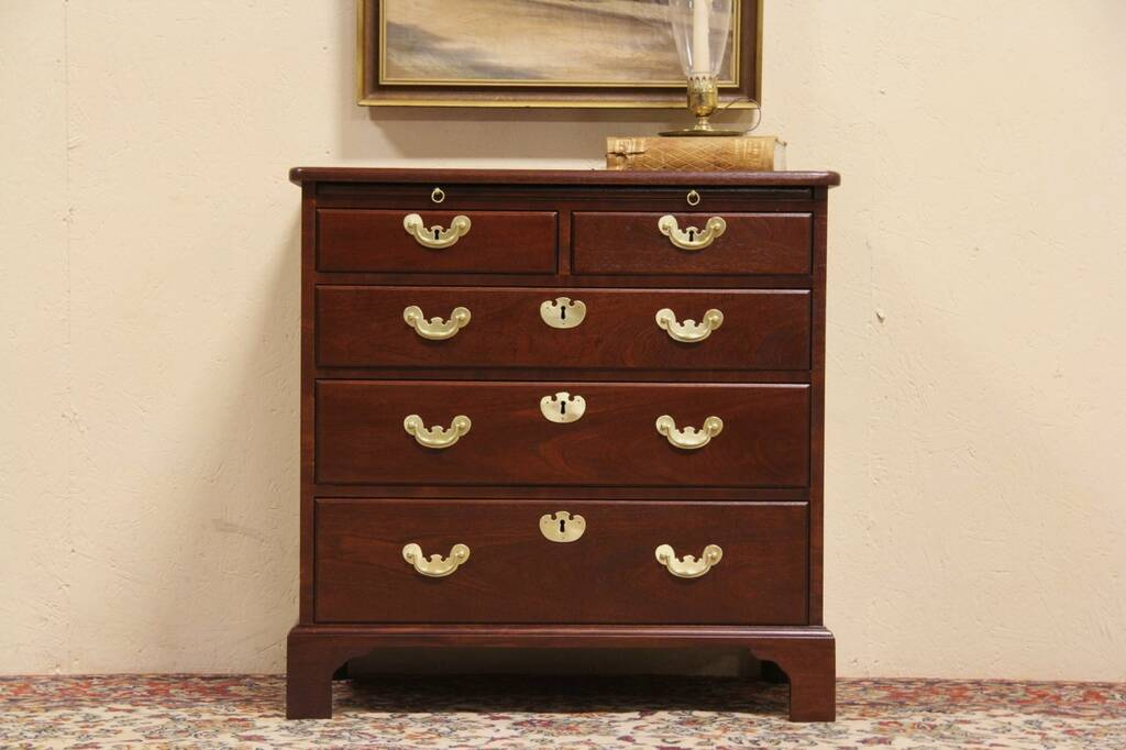Sold Colonial Williamsburg Restoration Chest By