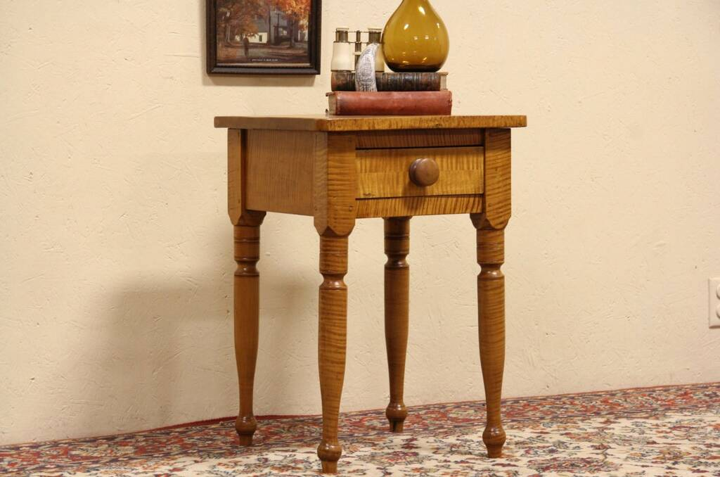 Tiger Striped Maple 1825 Antique New England Lamp Table Or Nightstand