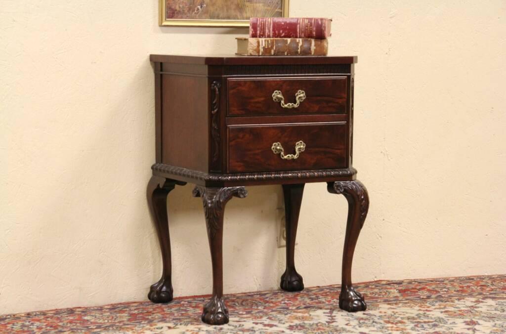 Sold Georgian 1940 S Vintage Mahogany Nightstand Or