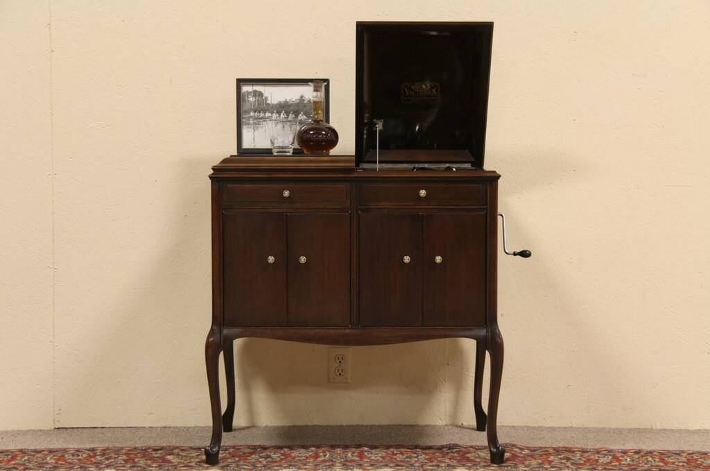 Sold Victor Victrola Antique Phonograph Record Player Harp Gallery Antique Furniture