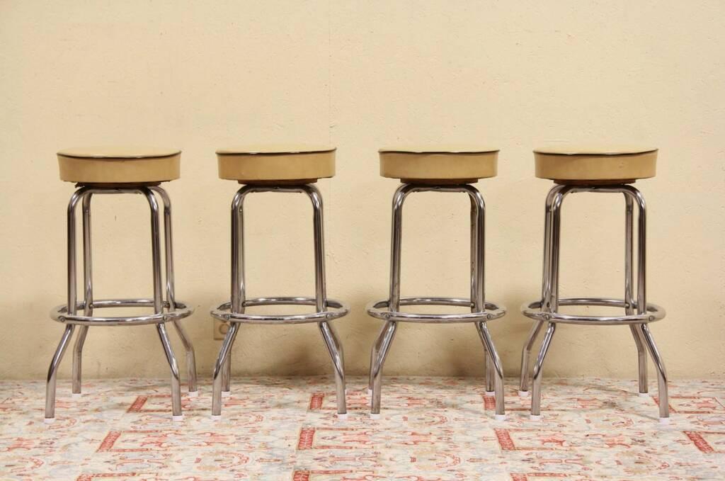 Set Of 4 Midcentury Modern 1960 Vintage Chrome Bar Stools
