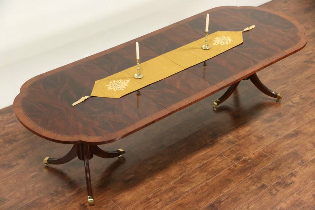 SOLD Hekman Signed Copley Square Dining Table Banded  : 10241024sztab11 14 15hek from www.harpgallery.com size 1024 x 682 jpeg 60kB