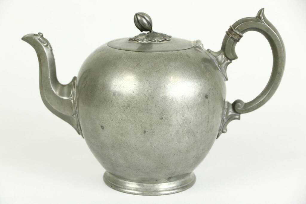 English Pewter Art And Crafts Teapot