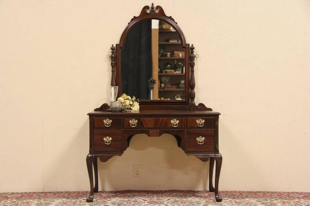 Sold Berkey Amp Gay 1925 Antique Mahogany Vanity Desk Or