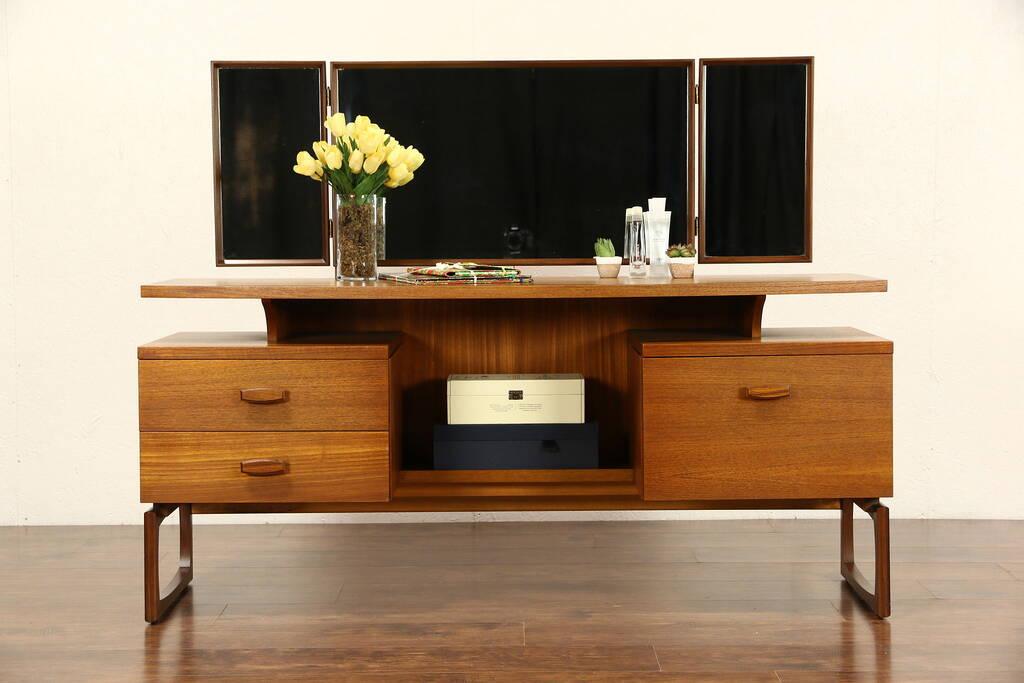 Sold Mid Century Modern 1960 S Vintage Teak Vanity