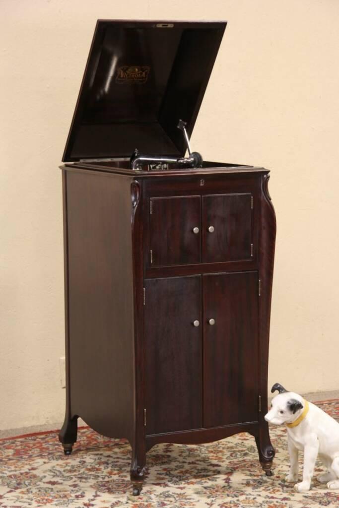 SOLD - Victrola Victor 1915 Antique Mahogany Phonograph ...