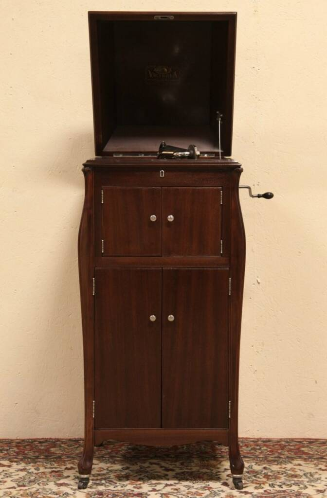 Sold Victor 1920 Victrola Wind Up Phonograph Vv Xi