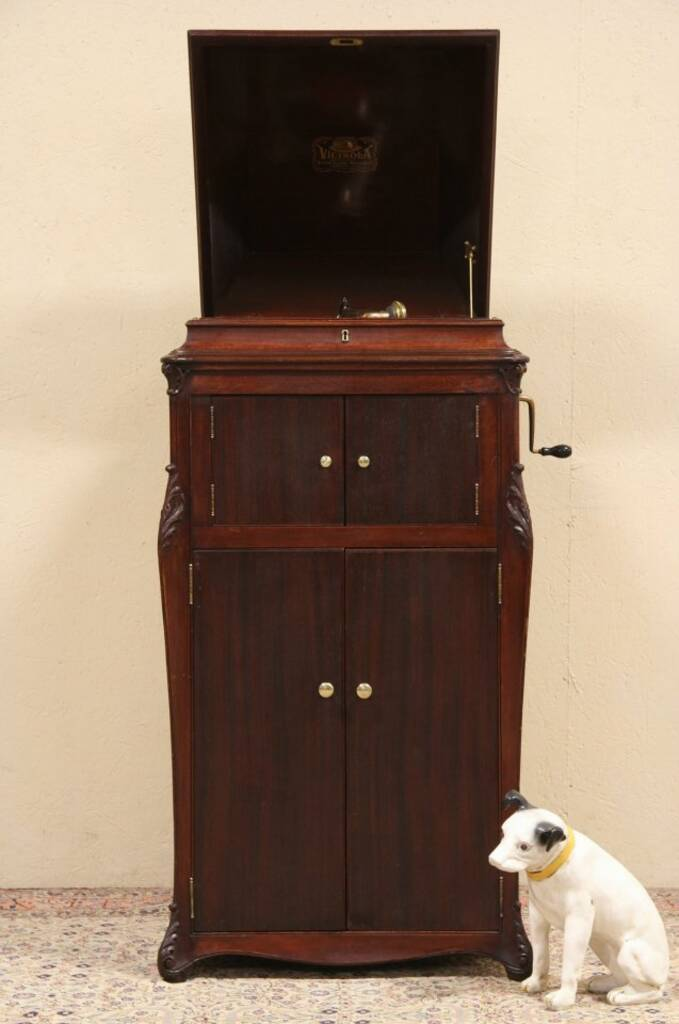 SOLD Victor Victrola VV XVI Antique Phonograph Record