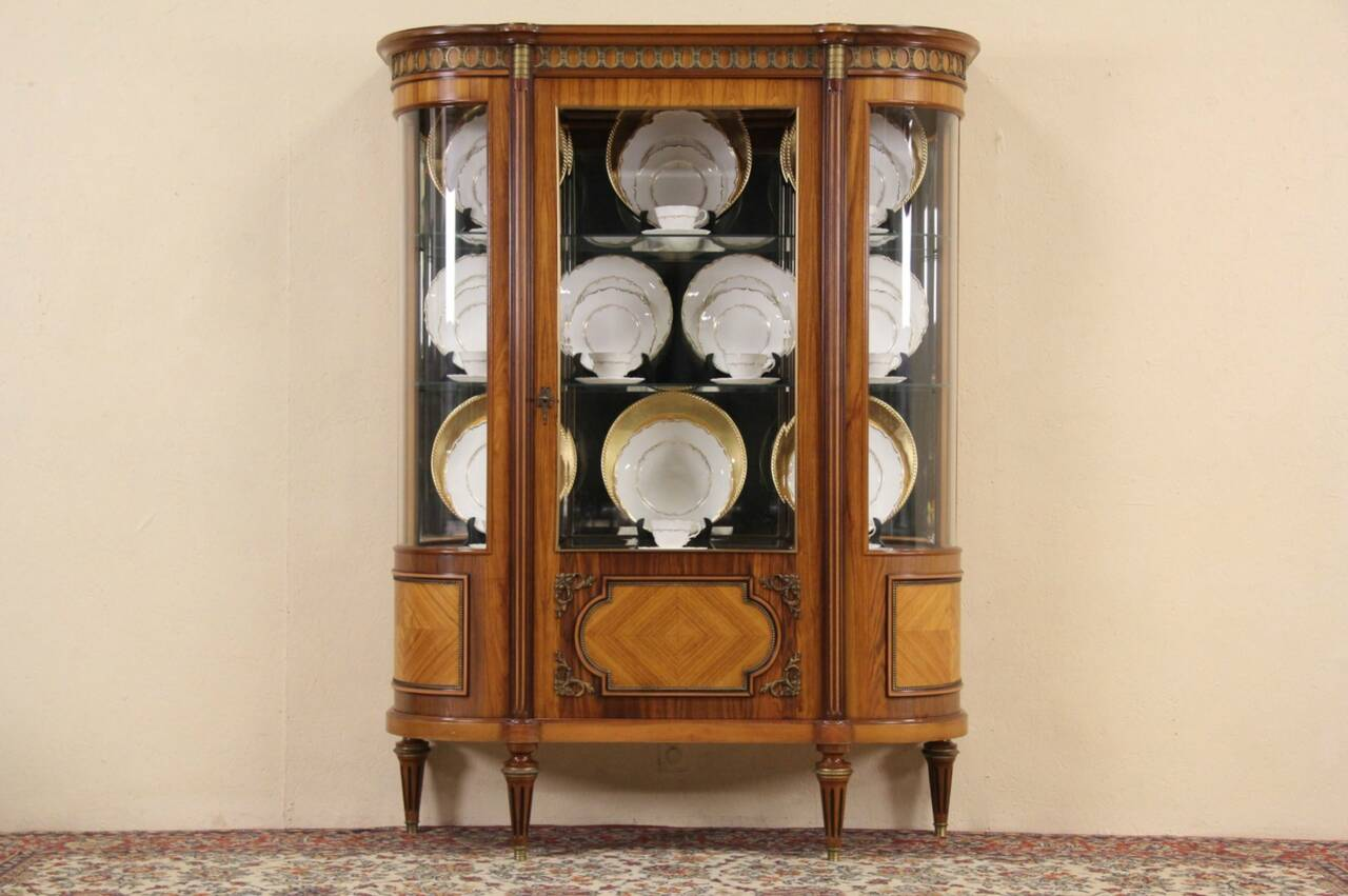 french rosewood 1940 39 s vintage curved glass vitrine or china curio cabinet ebay. Black Bedroom Furniture Sets. Home Design Ideas
