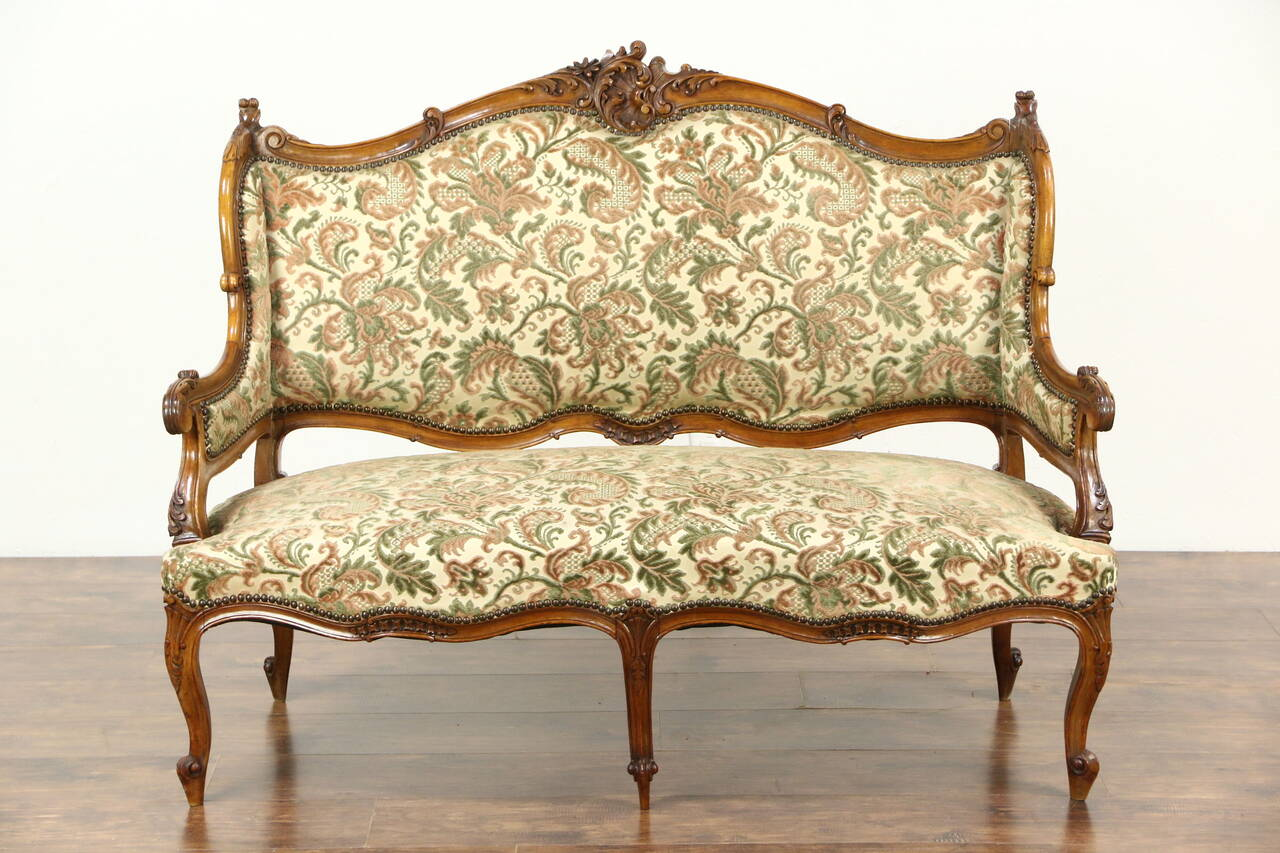 antiquefurniture_original finish is very well preserved on this antique furniture
