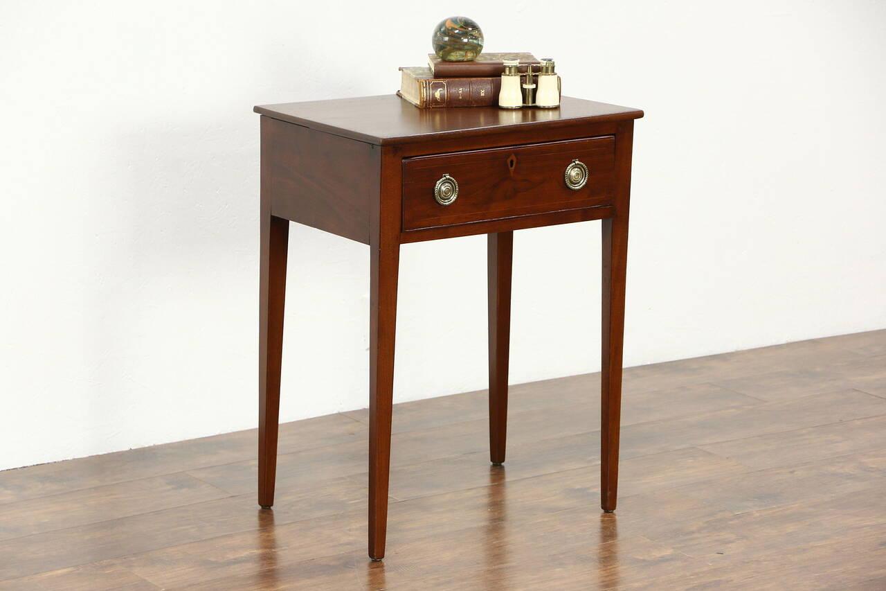 Hepplewhite 1830's Antique Walnut Lamp Table Or Nightstand