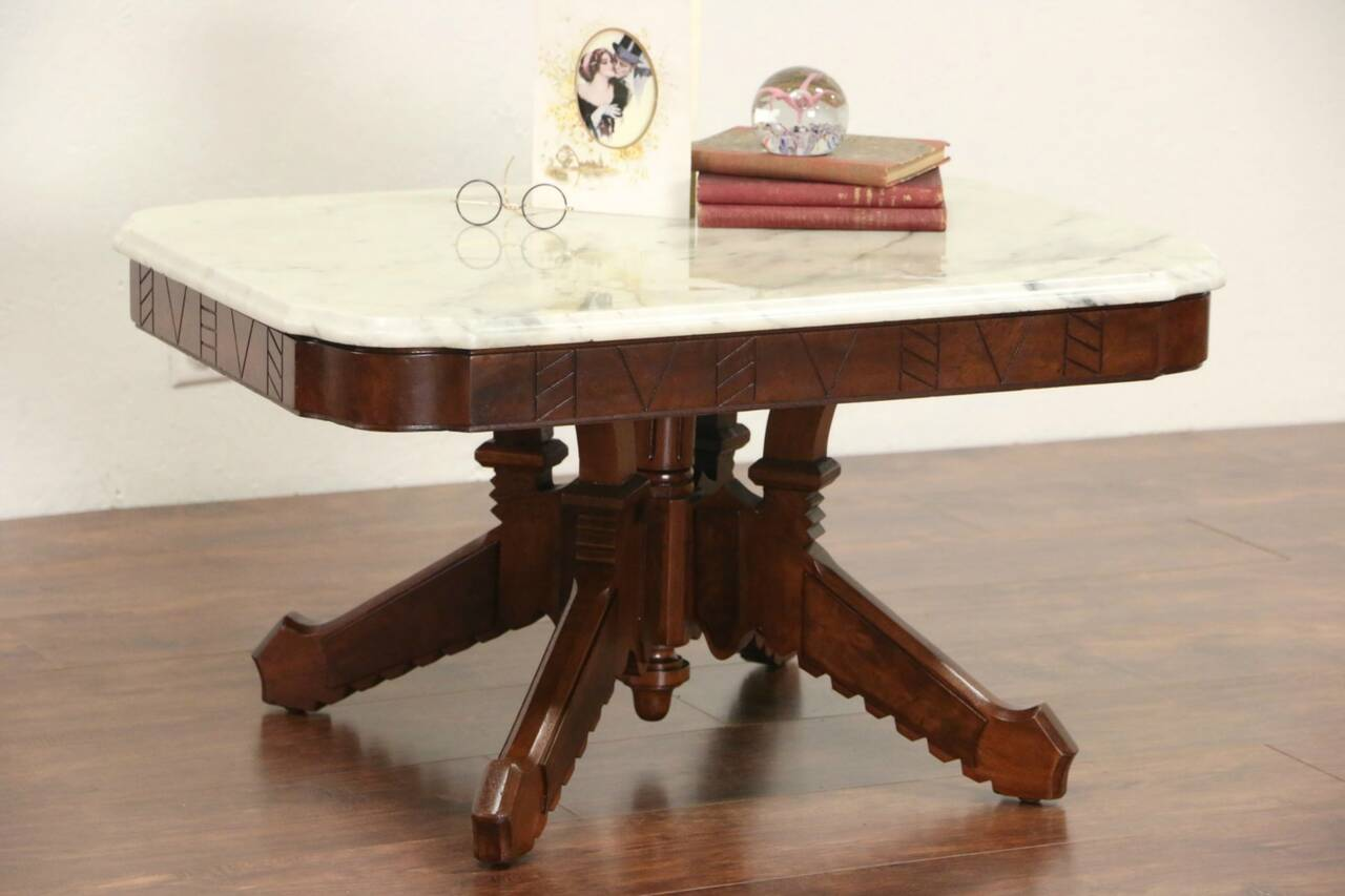 Marble top walnut coffee table from victorian 1880 antique for Antique victorian marble top coffee table