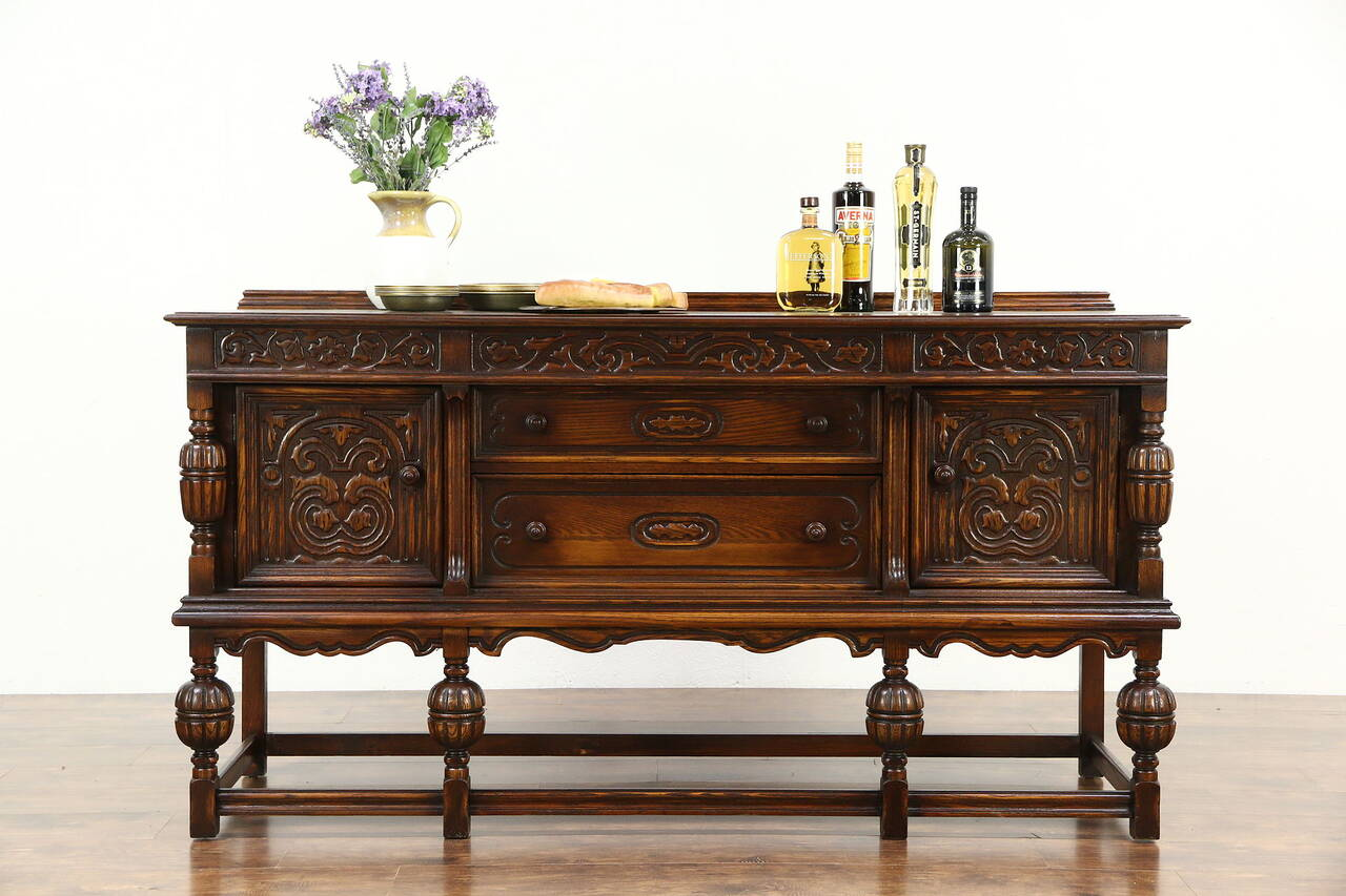 english tudor 1920 antique carved oak sideboard server or buffet ebay. Black Bedroom Furniture Sets. Home Design Ideas