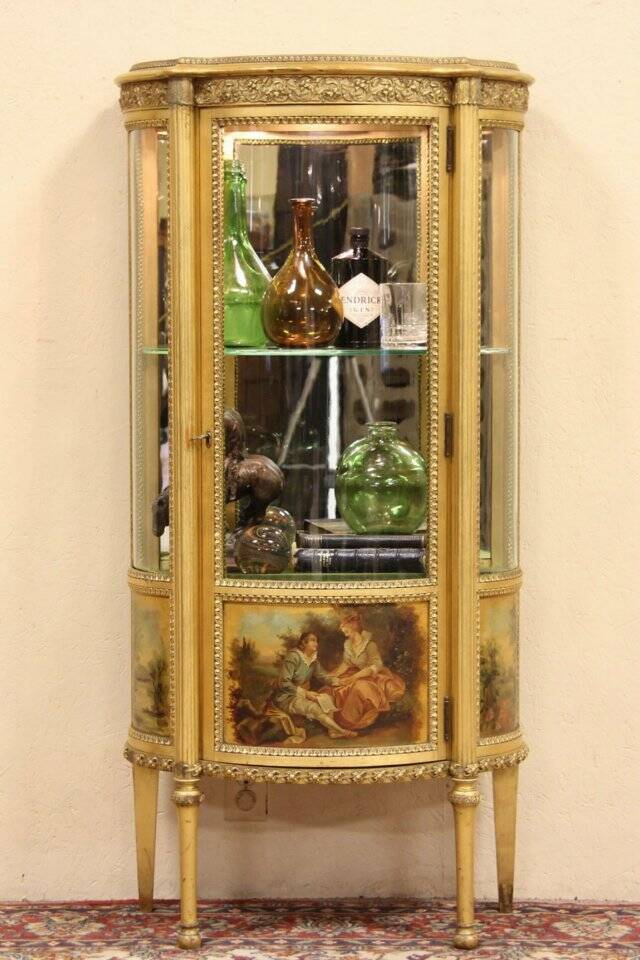 About Curved Glass Gold Leaf French Vitrine Or Curio Display Cabinet