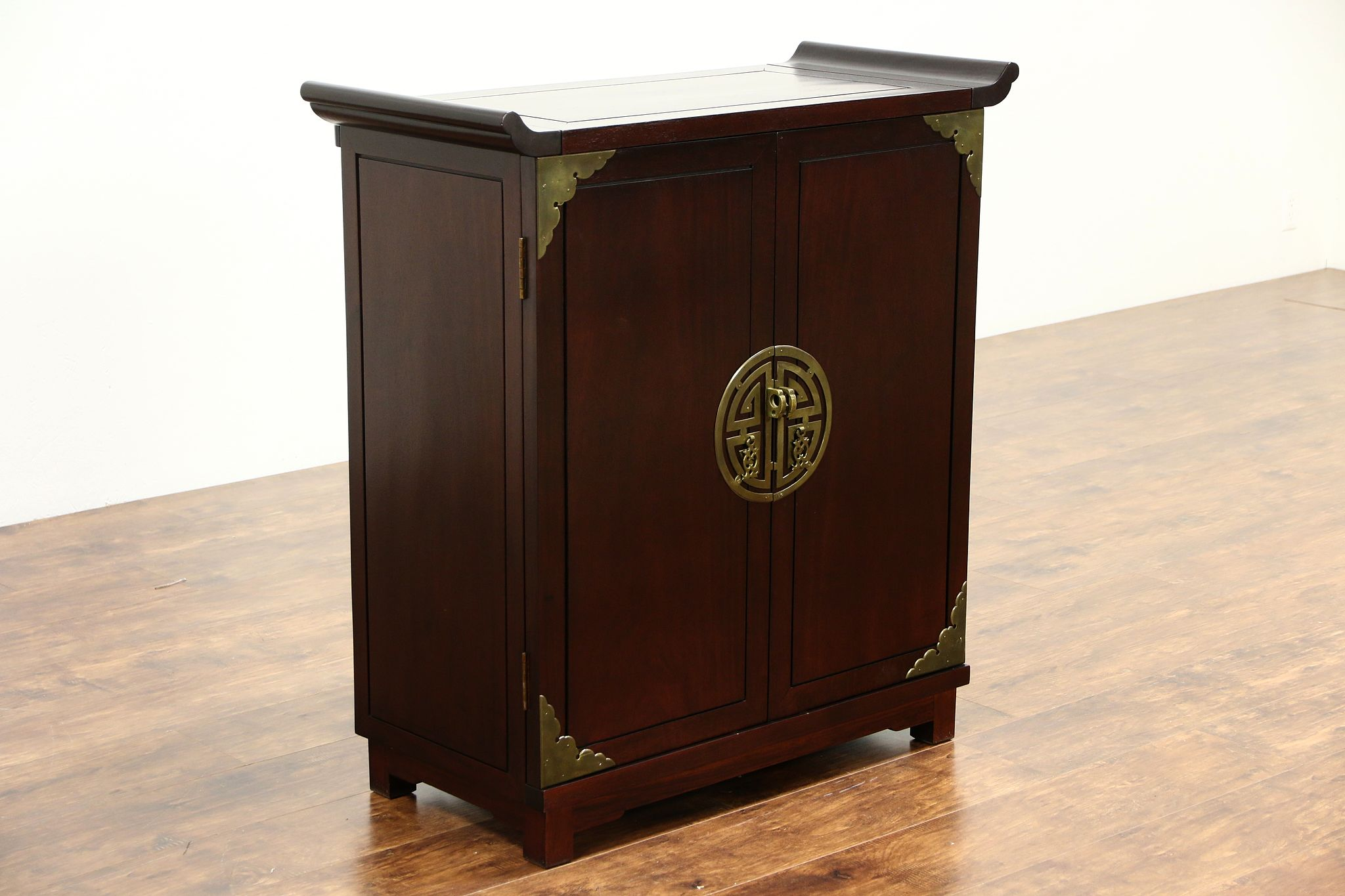 Beau Chinese Vintage Hand Carved Mahogany Bar Or Liquor Cabinet ...