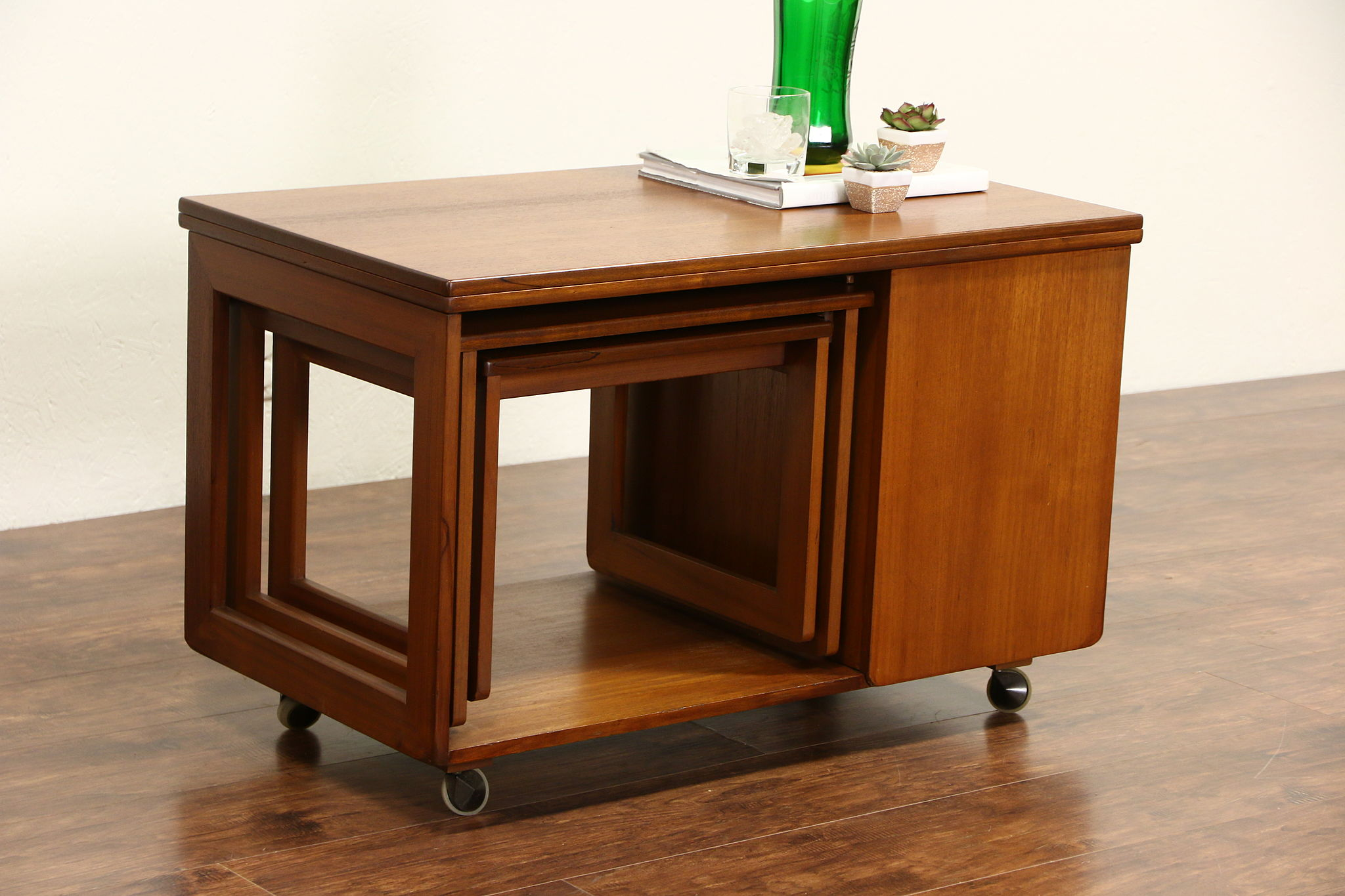 Midcentury Modern 1960 Vintage Coffee Cocktail Table, Bar Caddy, Nesting  Tables
