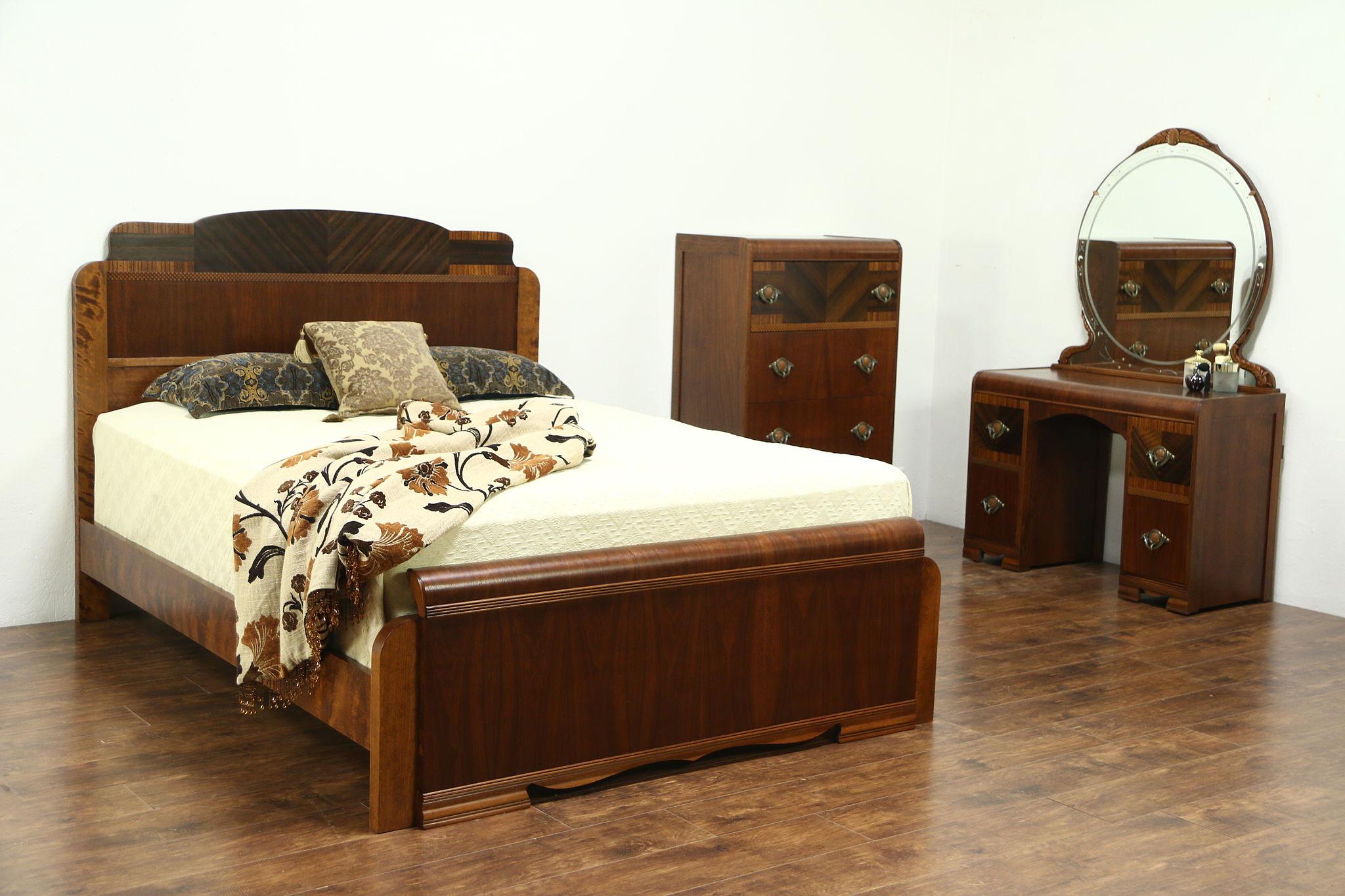 Sold Art Deco Waterfall 1930 S Vintage Queen Size Bedroom Set