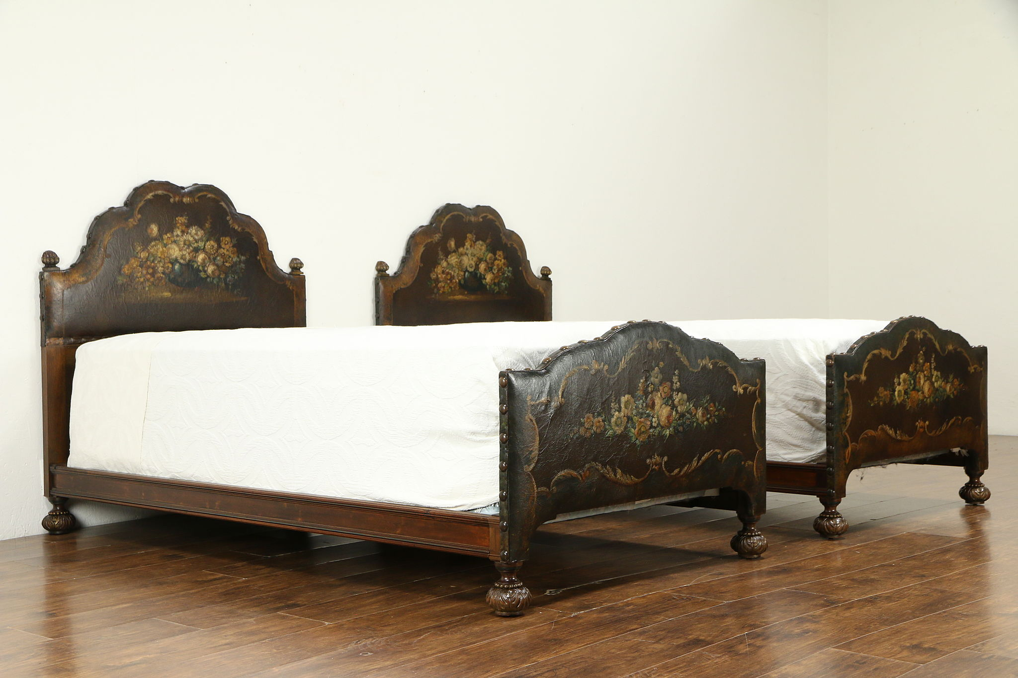 Sold Bedroom Set Twin Beds Nightstand Chest Hand Painted Leather Widdicomb 32867 Harp Gallery Antiques Furniture