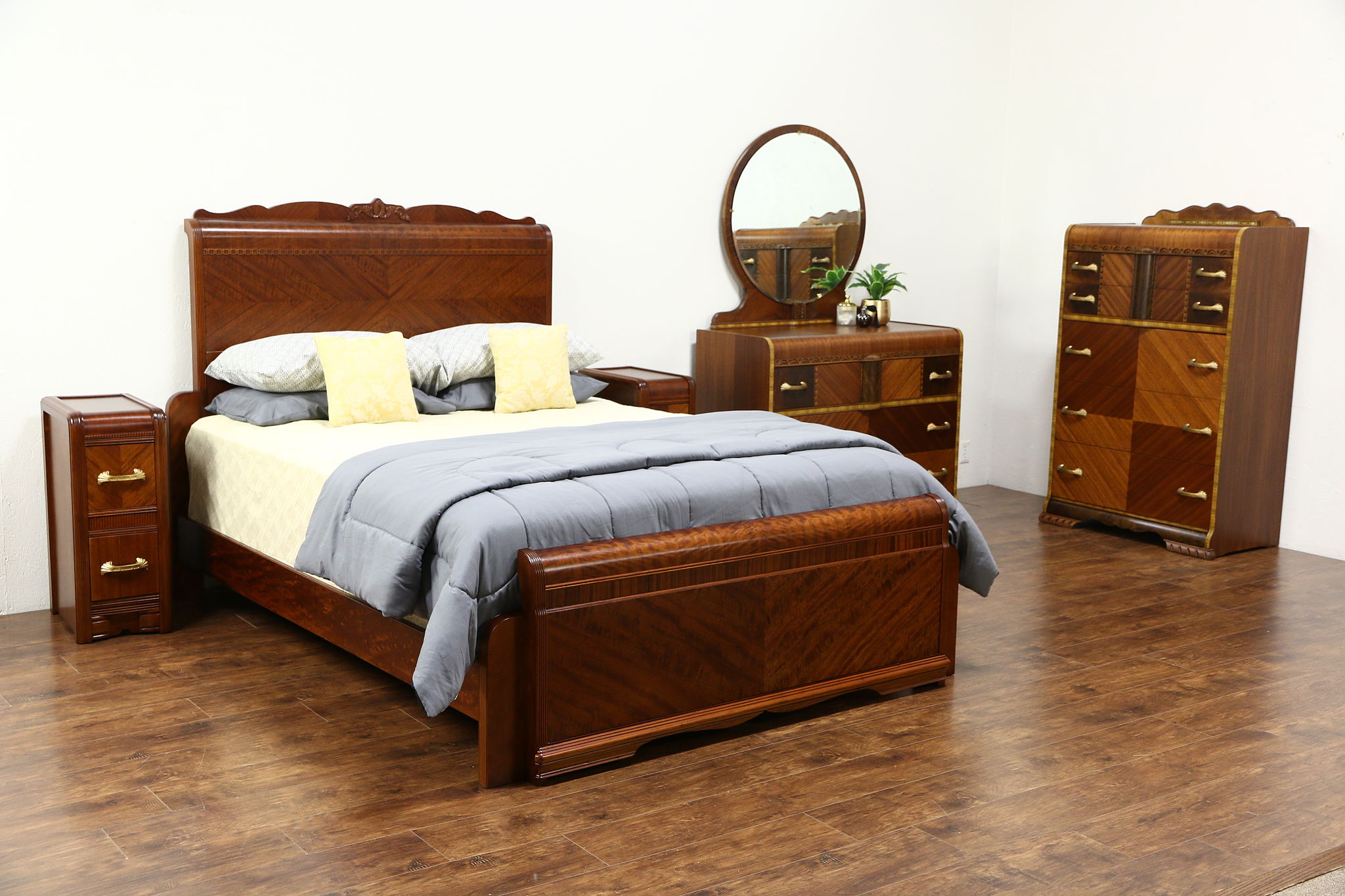 Art Deco Waterfall Vintage 5 Pc. Bedroom Set, Queen Bed