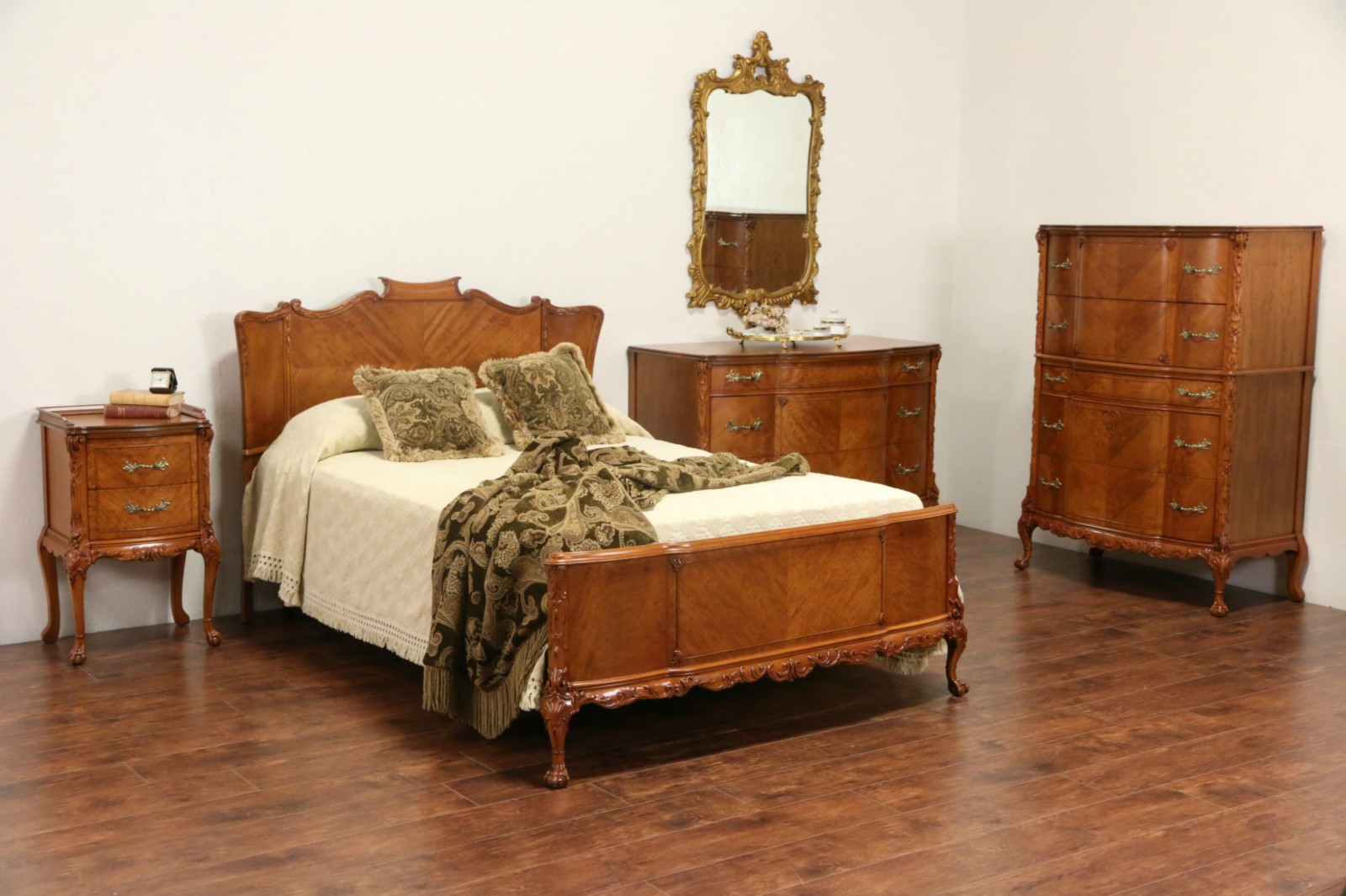 more photos 30b00 a5e2c French Style 1940's Satinwood Full Size 1940's Vintage 5 Pc. Bedroom Set