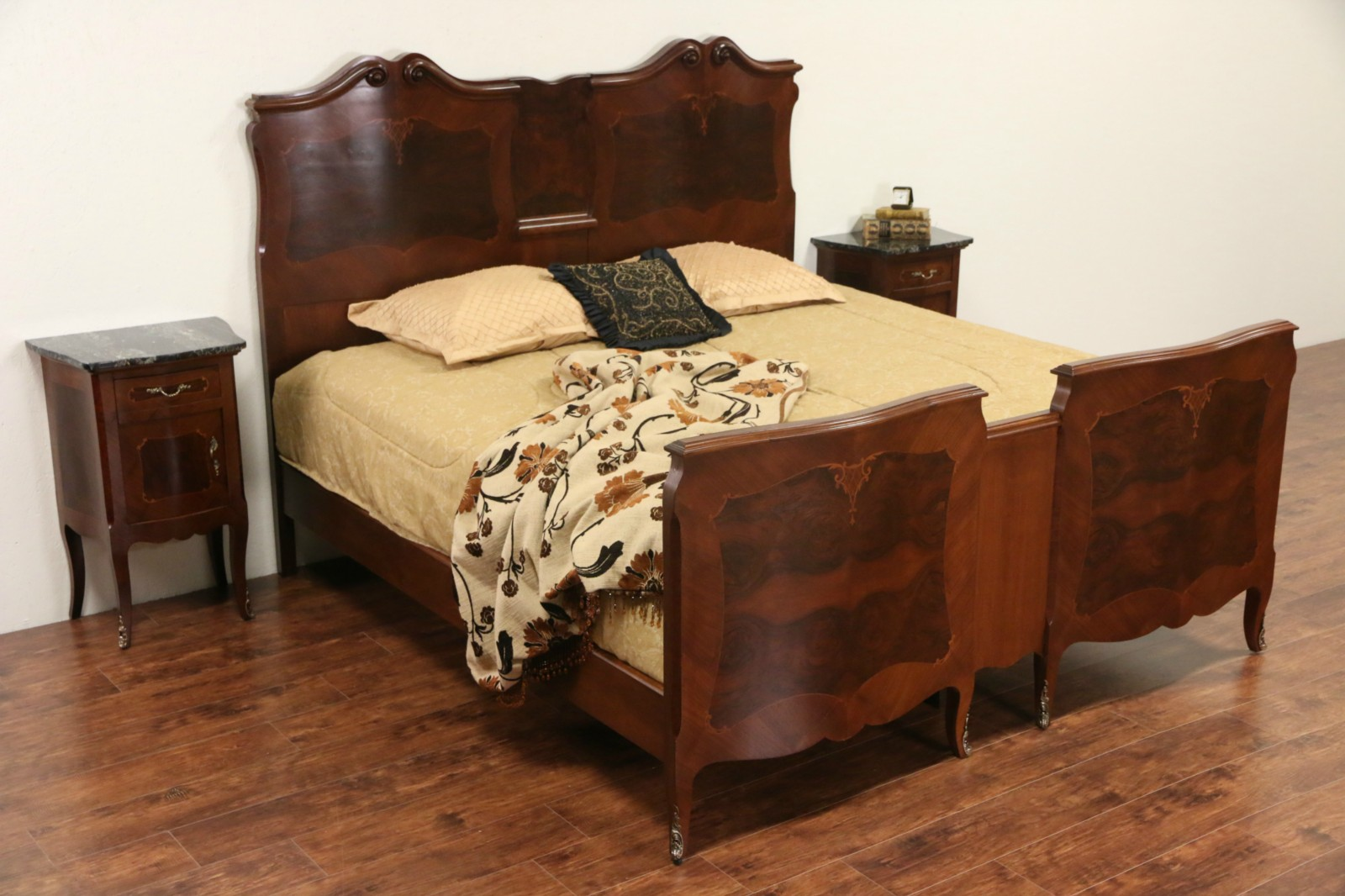 Italian Rosewood Marquetry Bombe 1900 Antique King Size Bed. SOLD   Italian Rosewood Marquetry Bombe 1900 Antique King Size Bed