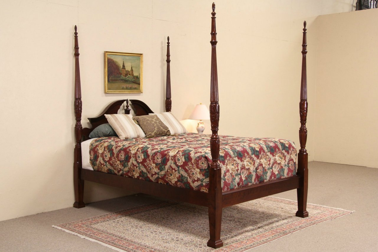 Mahogany Queen Size Rice Plantation Poster Bed