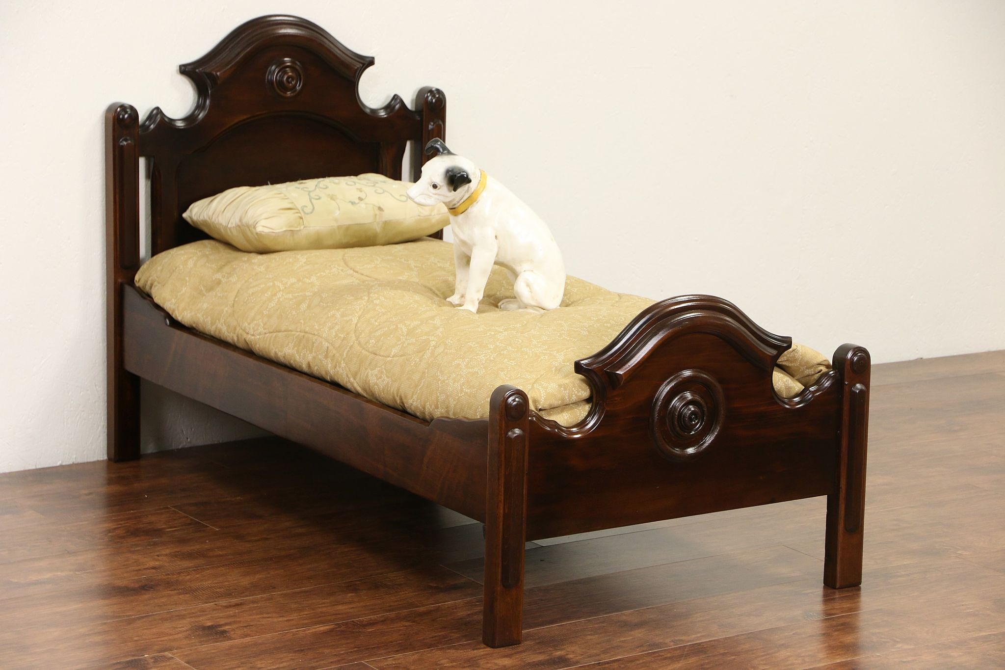 Sold Victorian 1870 S Antique Walnut Toddler Or Dog Bed