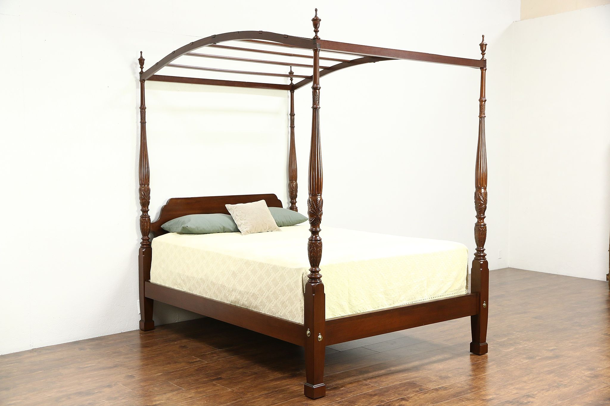 Ethan Allen Rice Plantation Four Poster Queen Size Bed Removable Canopy