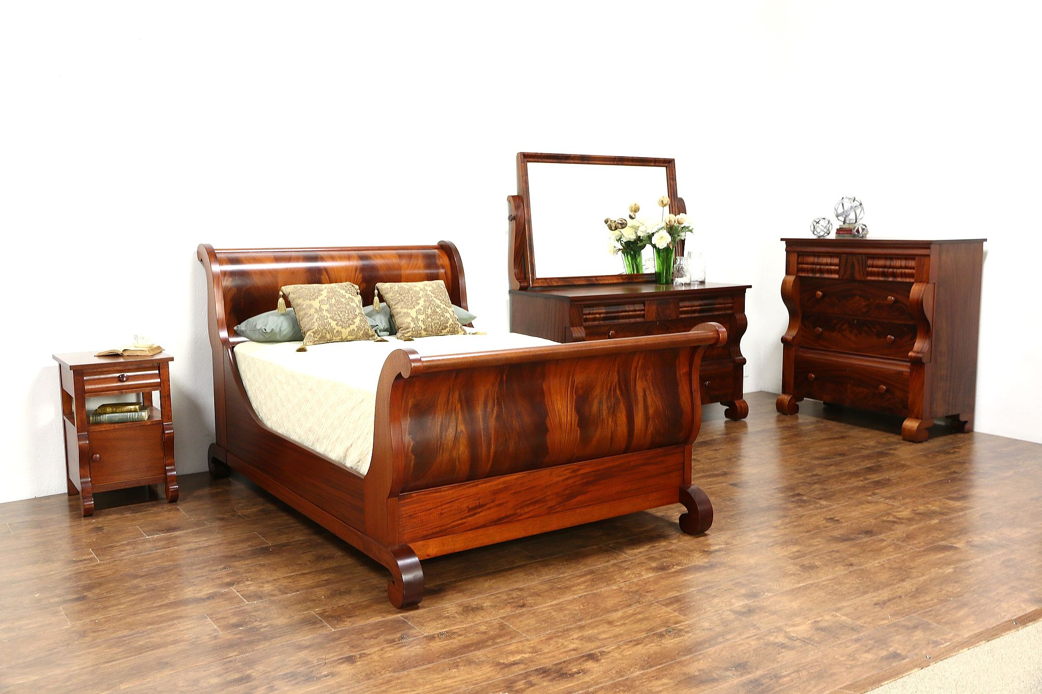Empire Antique 4 Pc Bedroom Set Full Size Sleigh Bed Signed