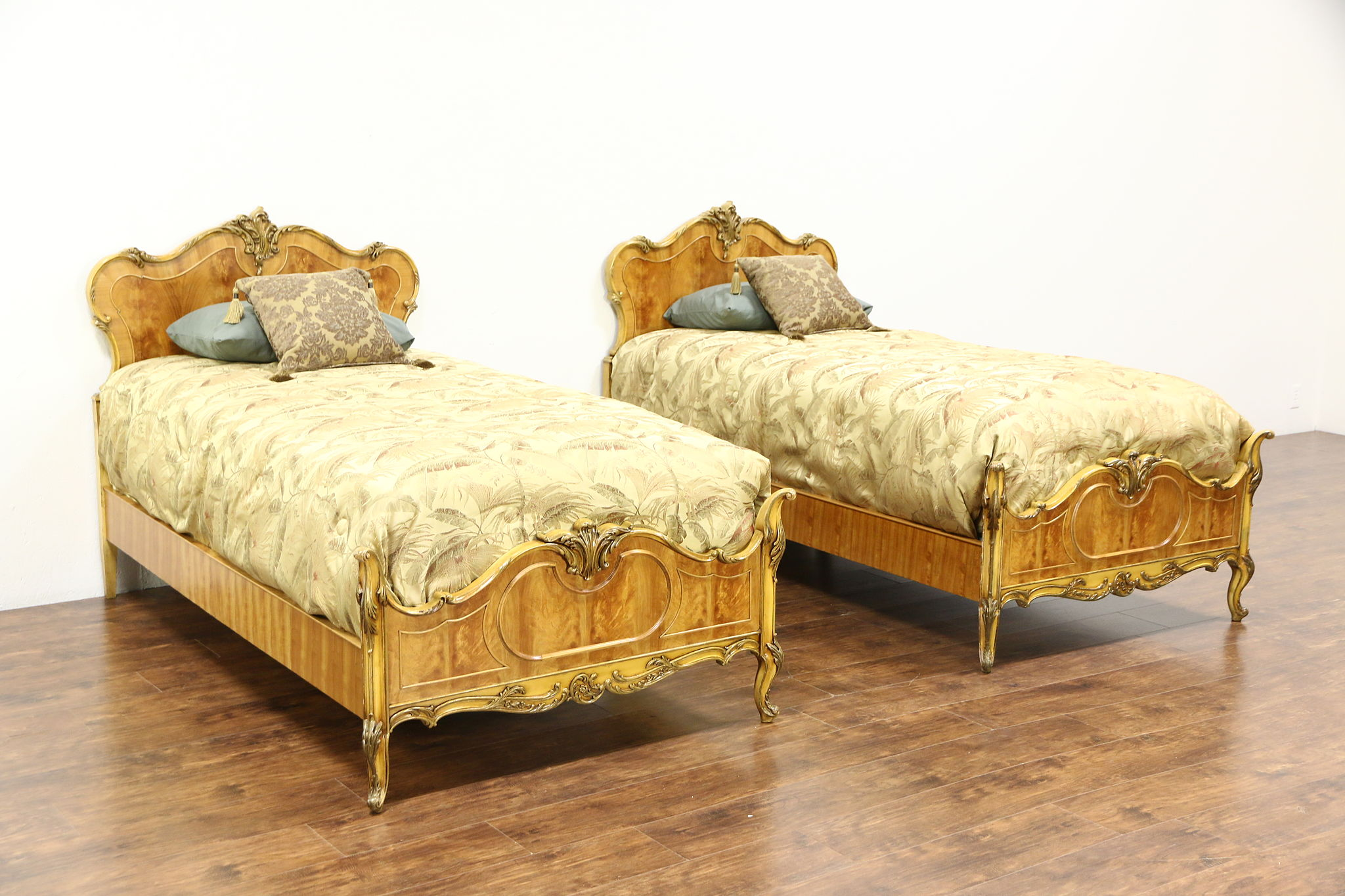 Sold Pair Of Satinwood Hand Painted 1940 Vintage Twin Or Single Beds Harp Gallery Antiques Furniture