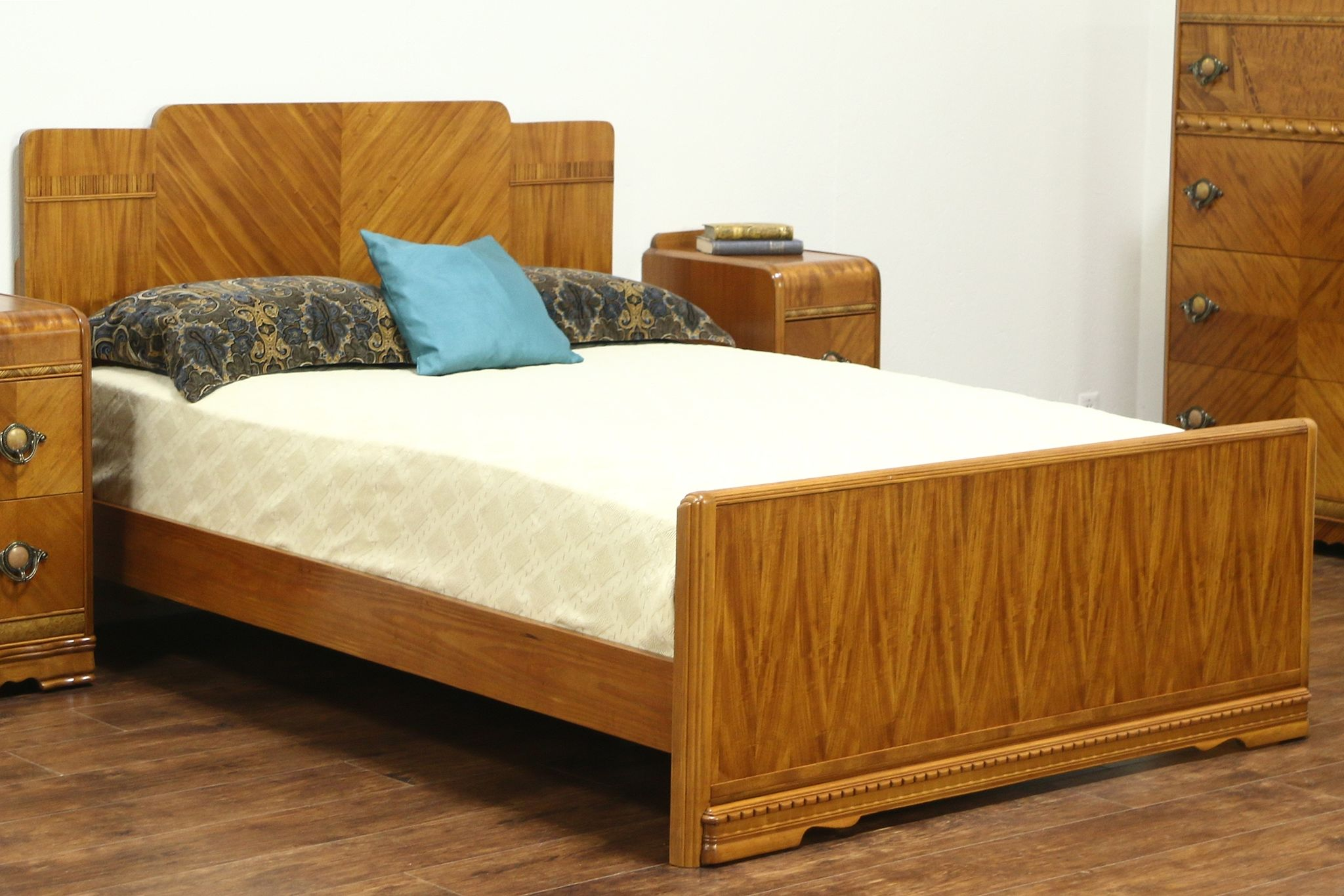 Sold Waterfall Design Art Deco 1935 Vintage Bed Full Or Double