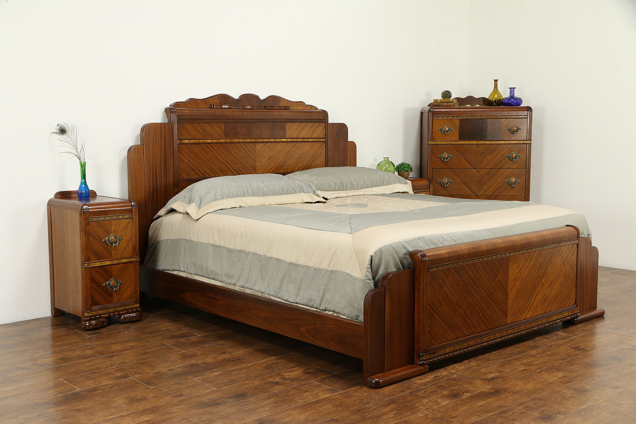 Art Deco Waterfall 1930\'s Vintage 4 Pc. Bedroom Set, King Size Bed #32673