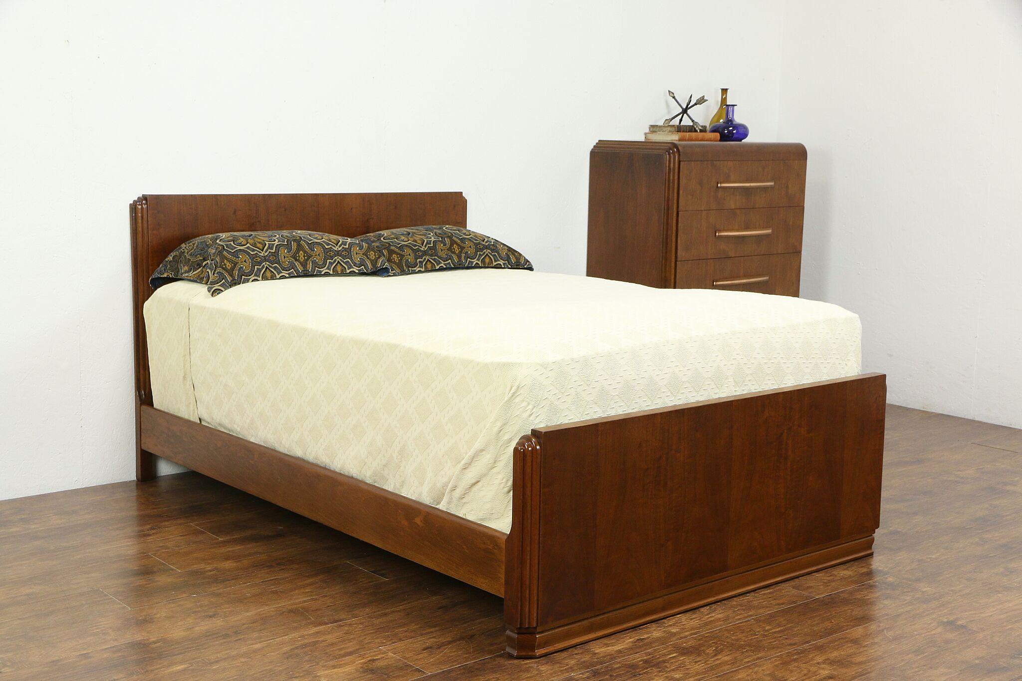 Sold Art Deco Midcentury Modern Bedroom Set Tall Chest Full Size Bed 35353 Harp Gallery Antiques Furniture