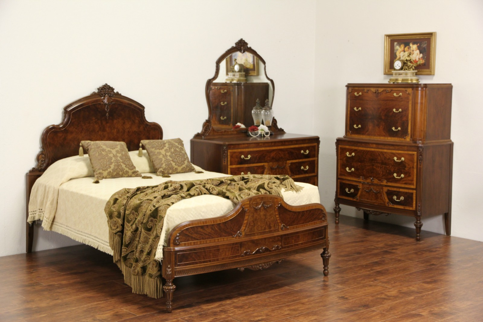 Bedroom Set, Full Size 1930\'s Vintage Carved Walnut & Burl 3 Pc.