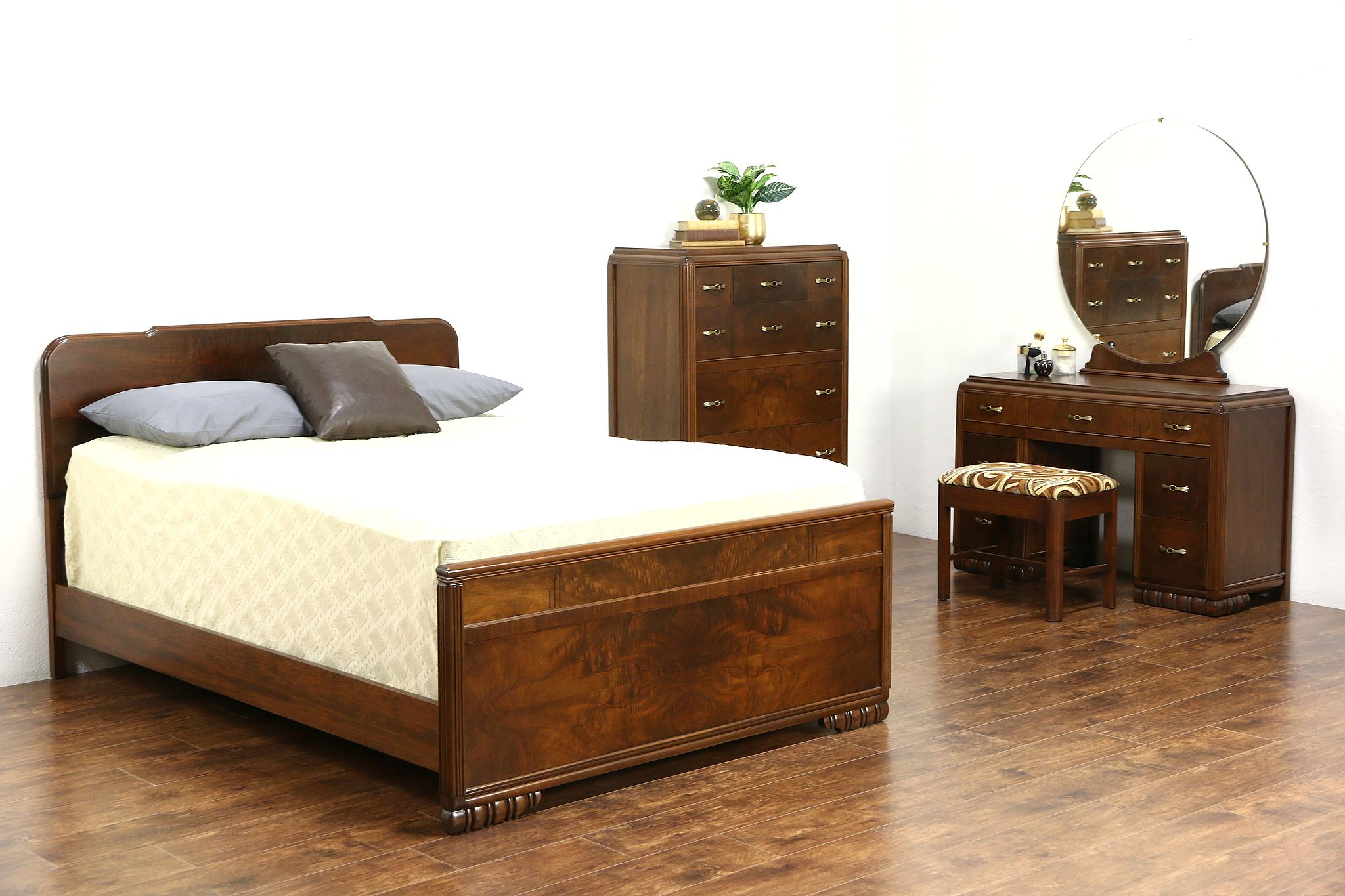 Art Deco 1940 Vintage 4 Pc. Walnut & Burl Bedroom Set, Full Size Bed &  Vanity