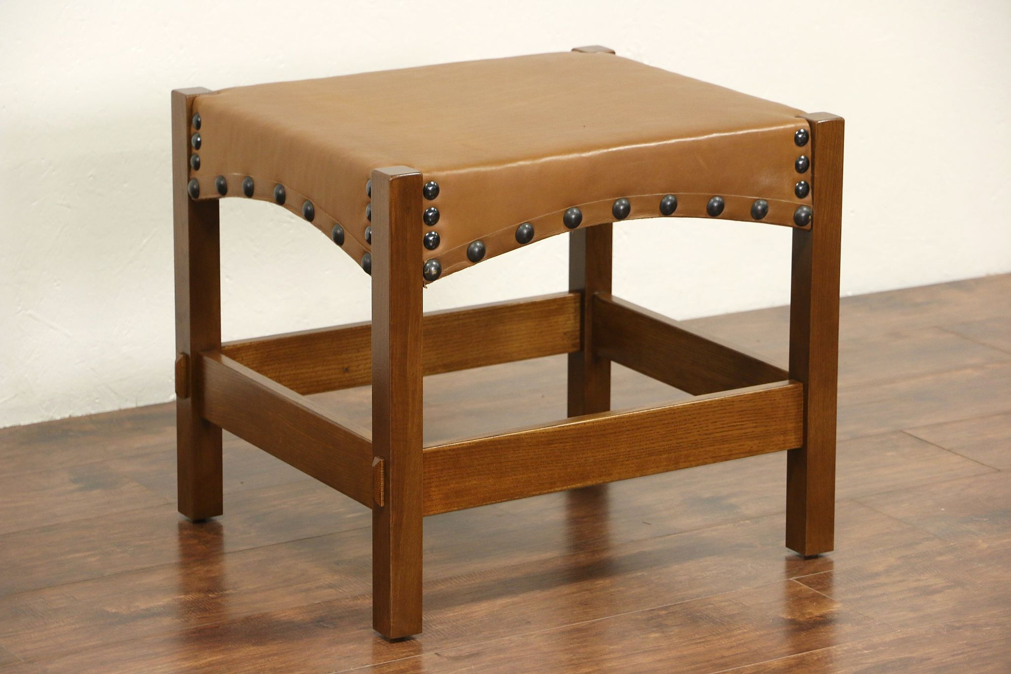 Sold Arts Crafts Mission Oak Style Leather Stool Or Bench Harp Gallery Antique Furniture