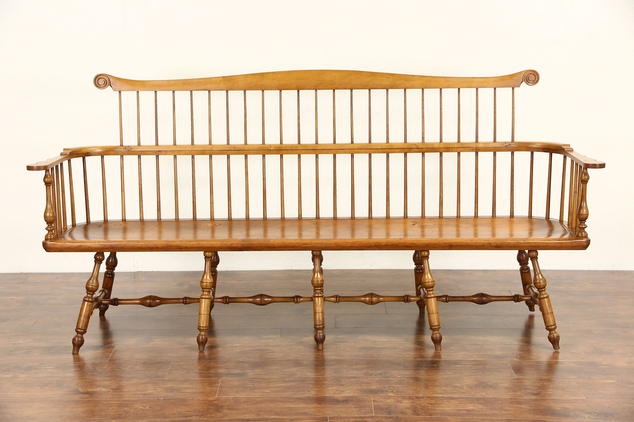 Antique wood bench with back - Country Pine 1850 S Antique Windsor Comb Back 87 Hall Or Deacon Bench