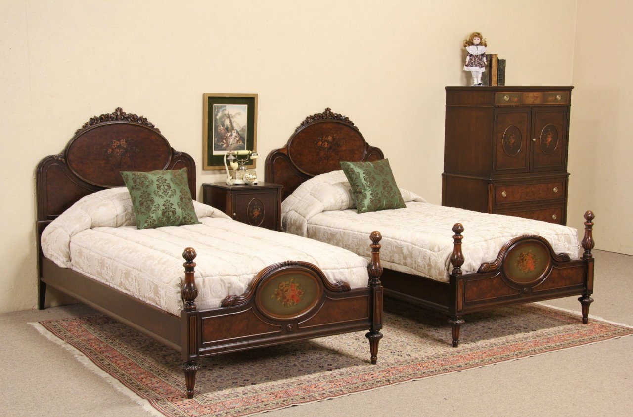 Sold Berkey Amp Gay 1920 Bedroom Set Twin Beds