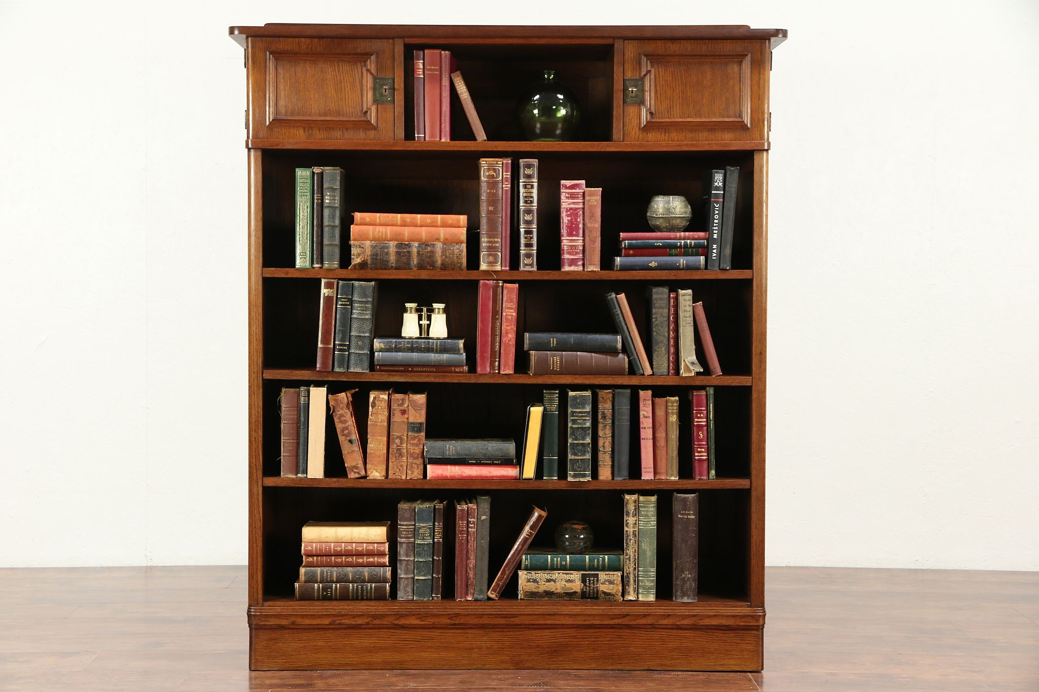 Scandinavian Oak 1930s Vintage Library Bookcase Or Bookshelf 29440