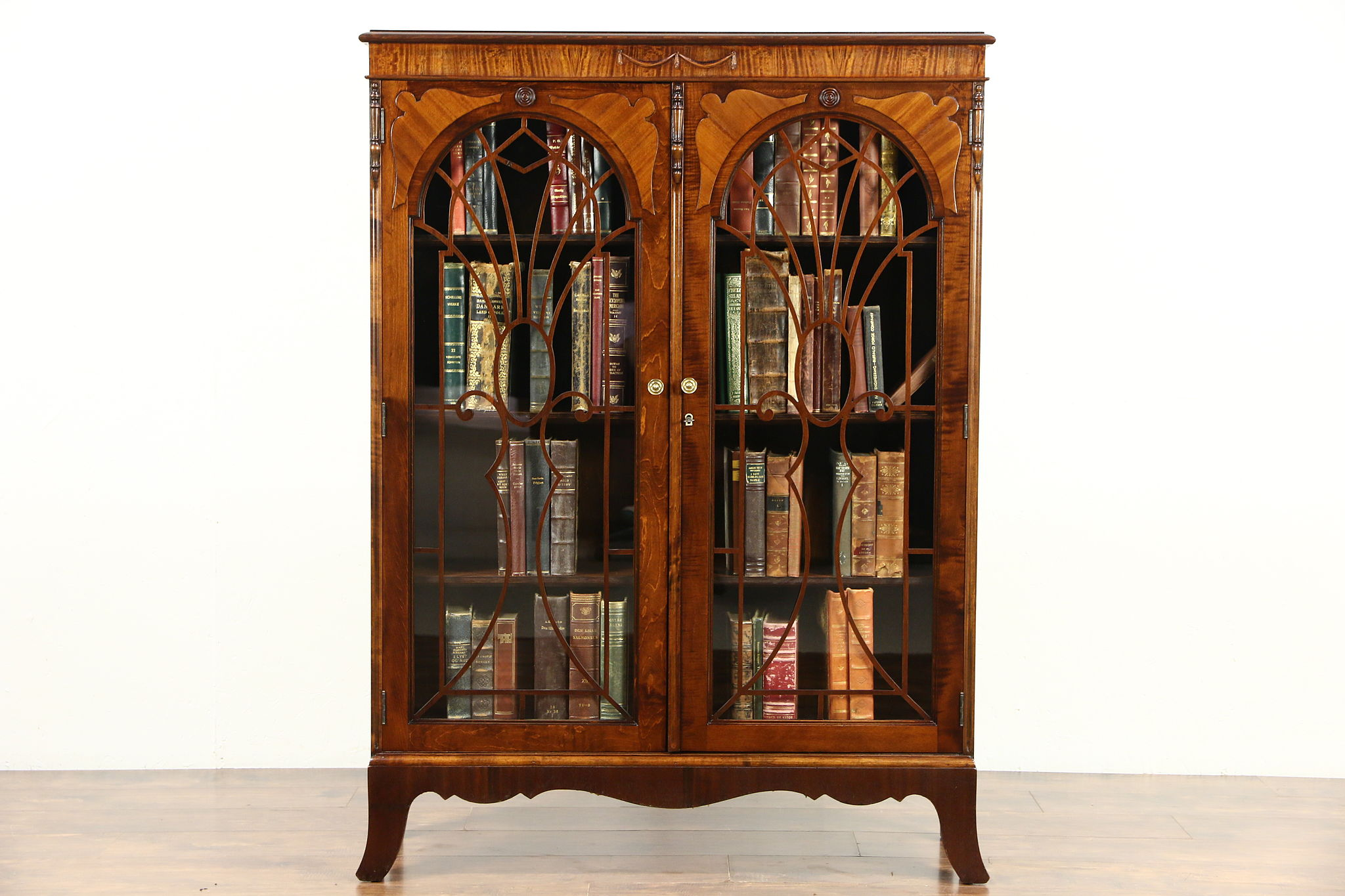 English Tudor 1920 S Antique Library Bookcase Gl Doors With Grills