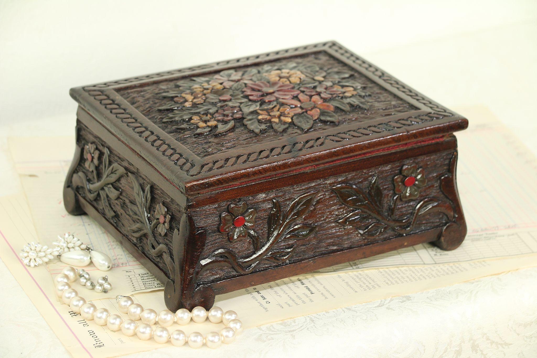 old hand painted metal box Small vintage jewelry box vintage jewelry holder old metal box vintage metal box