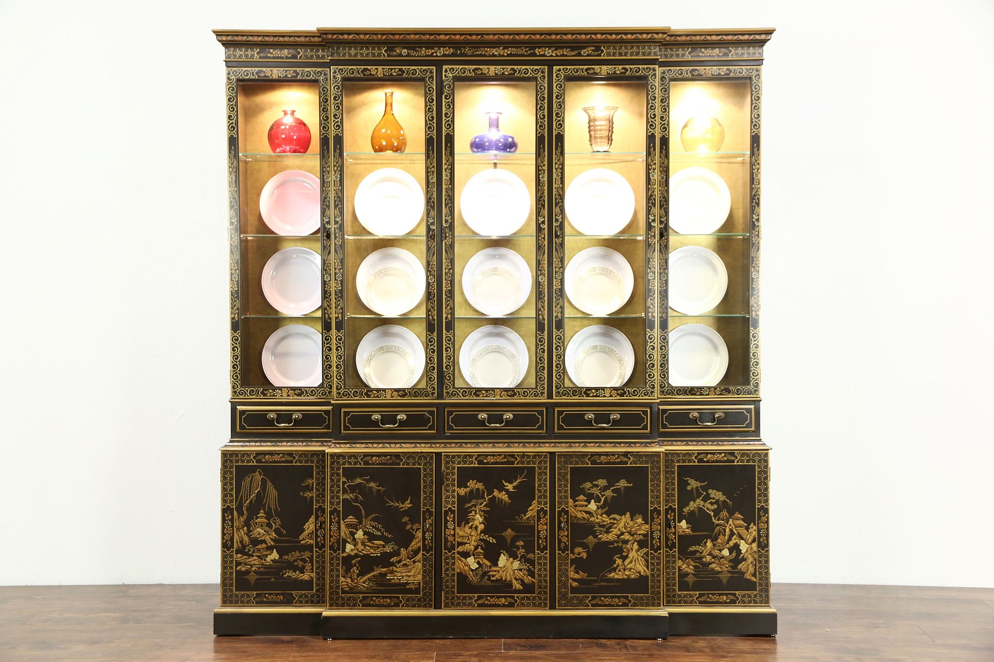 Merveilleux Drexel Heritage Vintage Breakfront China Cabinet, Chinese Lacquer U0026 Painting